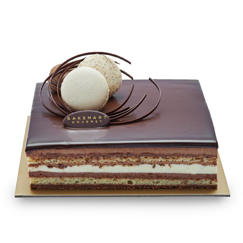 Trois-Chocolate-Premium-Cake-Bakemart-Gourmet